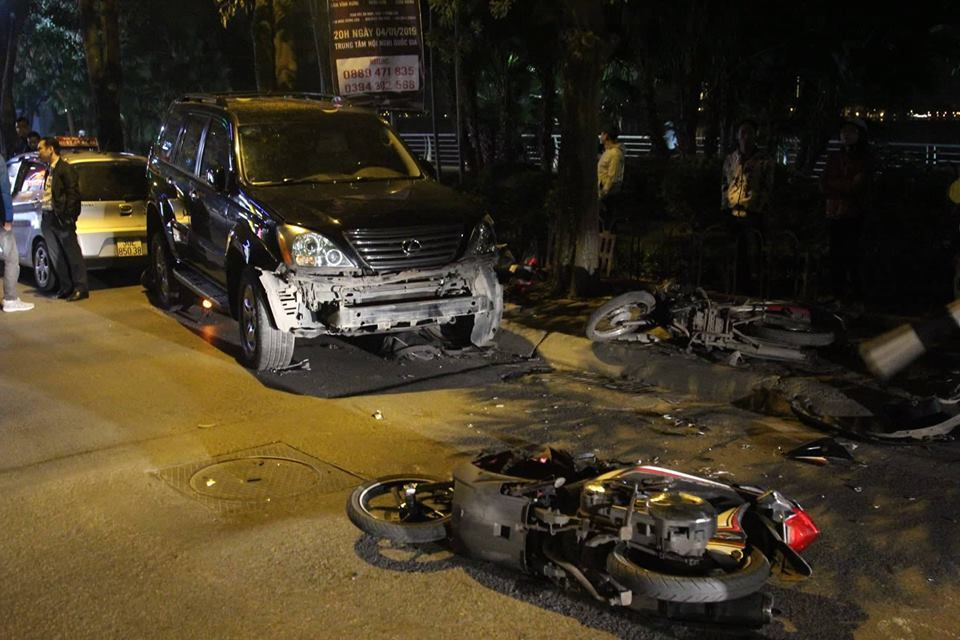 Phụ nữ lái xe: Sơ sẩy 1 chút gây tai nạn kinh hoàng