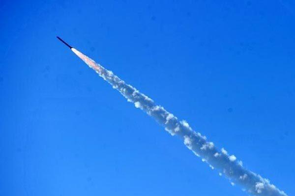 Ukraina khoe tự chế tên lửa bắn xa hơn 1.000km