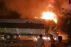 Thanh Hóa: 2 người chết cháy trên cabin xe tải sau tiếng nổ lớn