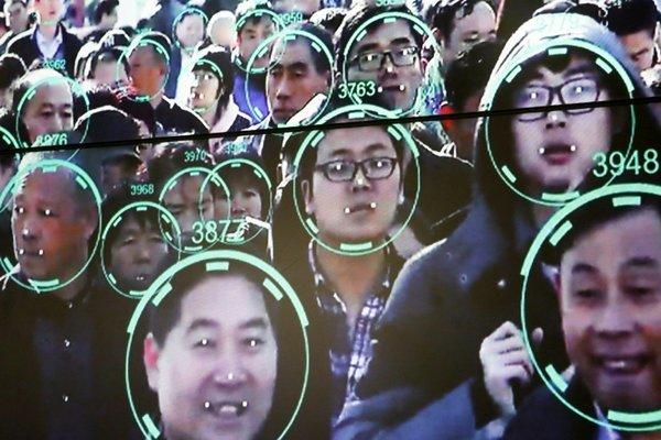 Bị trộm hàng chục triệu vì công nghệ mở khóa khuôn mặt