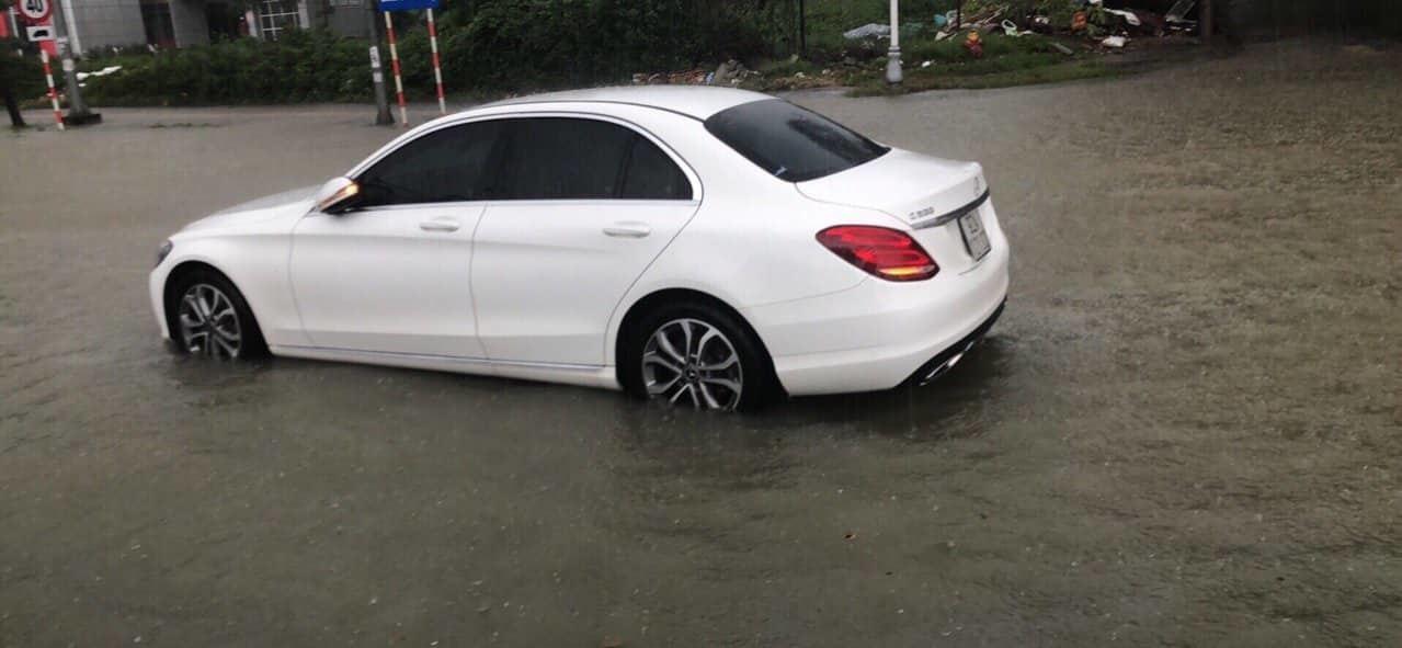 Thiệt hại 600 triệu, chủ Mercedes tố bảo hiểm Liberty lừa dối khách