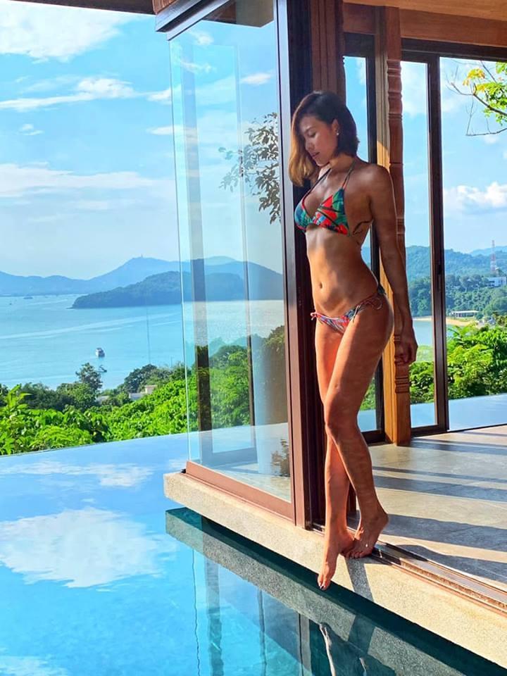 Sexy như MC Phương Mai, hiếm người đẹp showbiz nào bằng