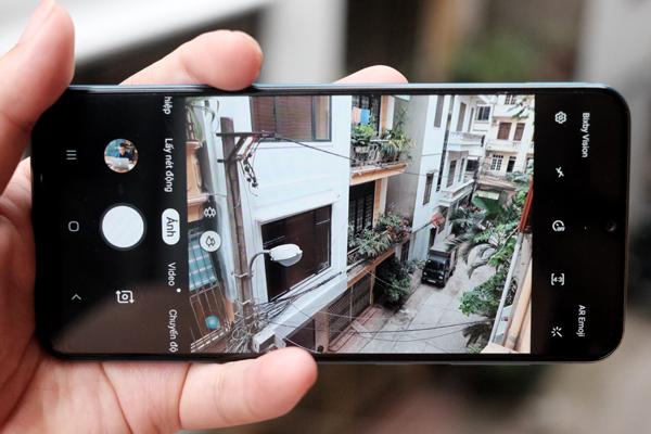Đánh giá Galaxy A50: Smartphone tầm trung vẫn có cảm biến vân tay dưới màn hình