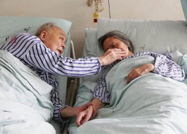 Cặp vợ chồng cùng bị suy thận vì có chung 1 thói quen xấu
