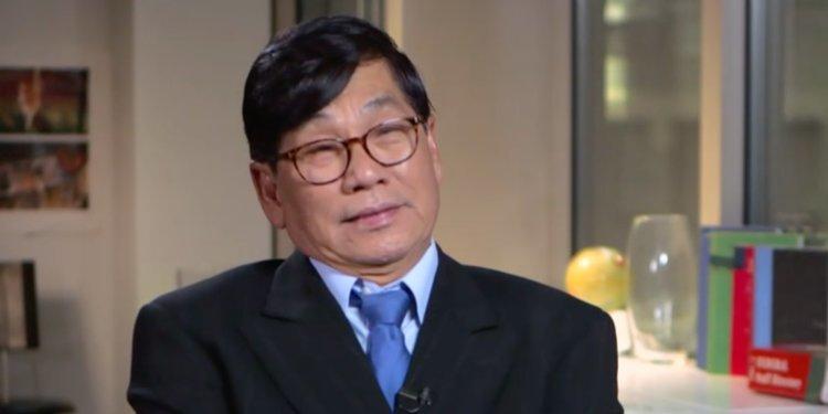 Lời kể của bác sĩ gốc Việt sau vụ bị lôi khỏi máy bay Mỹ