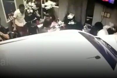 Kinh hoàng khoảnh khắc xe mất lái đâm vào tiệm làm tóc đông người