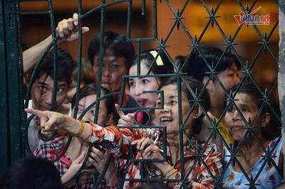 Sao Việt bức xúc việc livestream phản cảm trong tang lễ nghệ sĩ Anh Vũ
