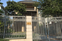 Chuyện khó tin bên trong biệt thự triệu đô bỏ hoang ở Sài Gòn