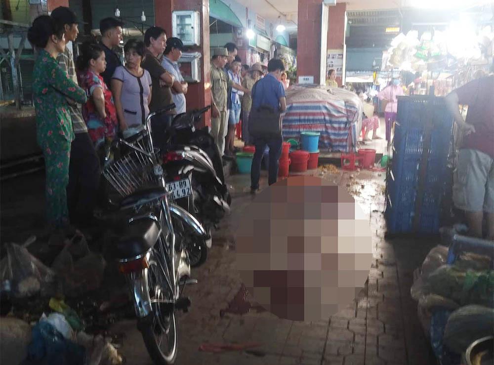 Nữ tiểu thương bị người tình sát hại tại chợ