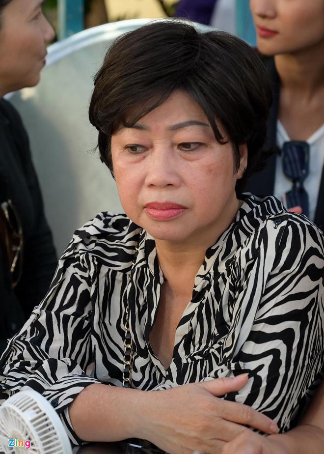 Kim Tuyến, Quế Trân lặng lẽ đến tiễn biệt Anh Vũ lần cuối