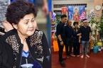 Mẹ đến lễ tang Anh Vũ sau cú sốc ngất xỉu nhập viện khi đón thi hài con