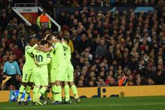 MU nguy cơ bị loại: Barca ở đẳng cấp khác