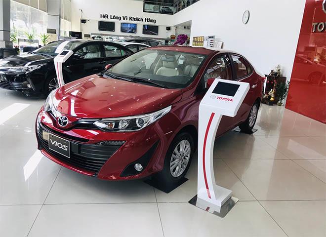 Loạt ô tô giảm giá 'khủng' trong tháng 4