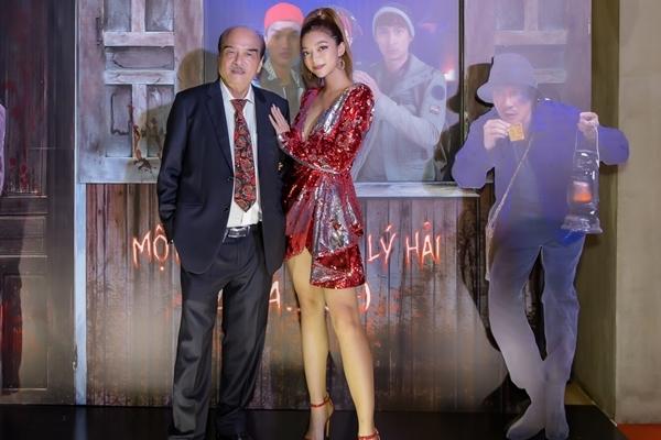Chưởng môn Vịnh Xuân Nam Anh đưa con gái ra mắt phim tại Hà Nội