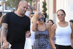 Bảo mẫu quan hệ tập thể với vợ chồng Mel B được bồi thường 2,3 triệu USD