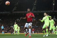 MU trói Rashford với điều khoản chống lại Barca