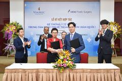 Vinmec Times City đón nhiều chuyên gia phẫu thuật thẩm mỹ Hàn Quốc