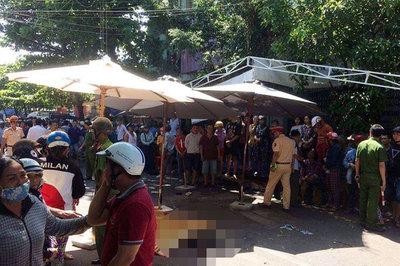 Xe Lexus biển tứ quý tông đoàn đưa tang ở Quy Nhơn, 4 người chết