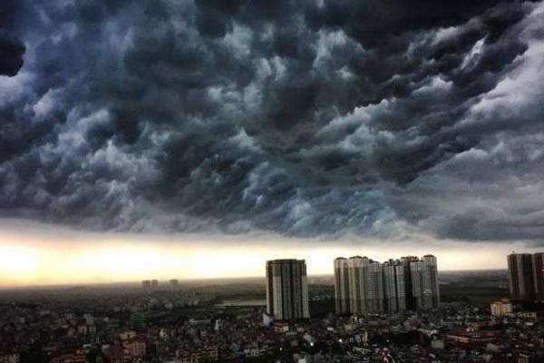 Dự báo thời tiết 12/4: Không khí lạnh tràn về, Hà Nội mưa dông