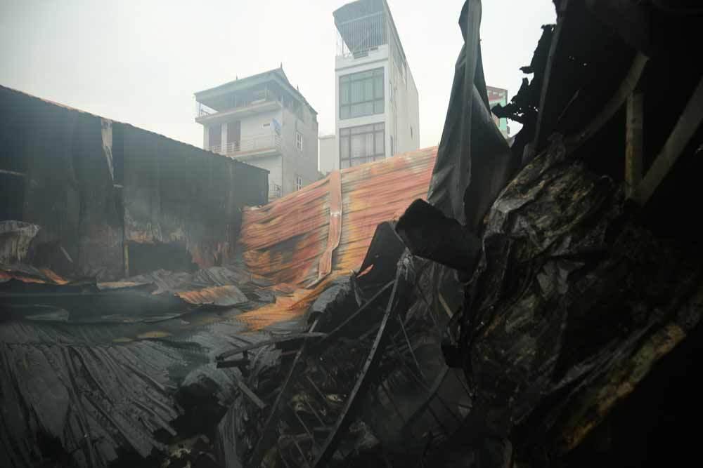 Hà Nội: Cháy lớn ở Trung Văn, 8 người chết cùng một chỗ