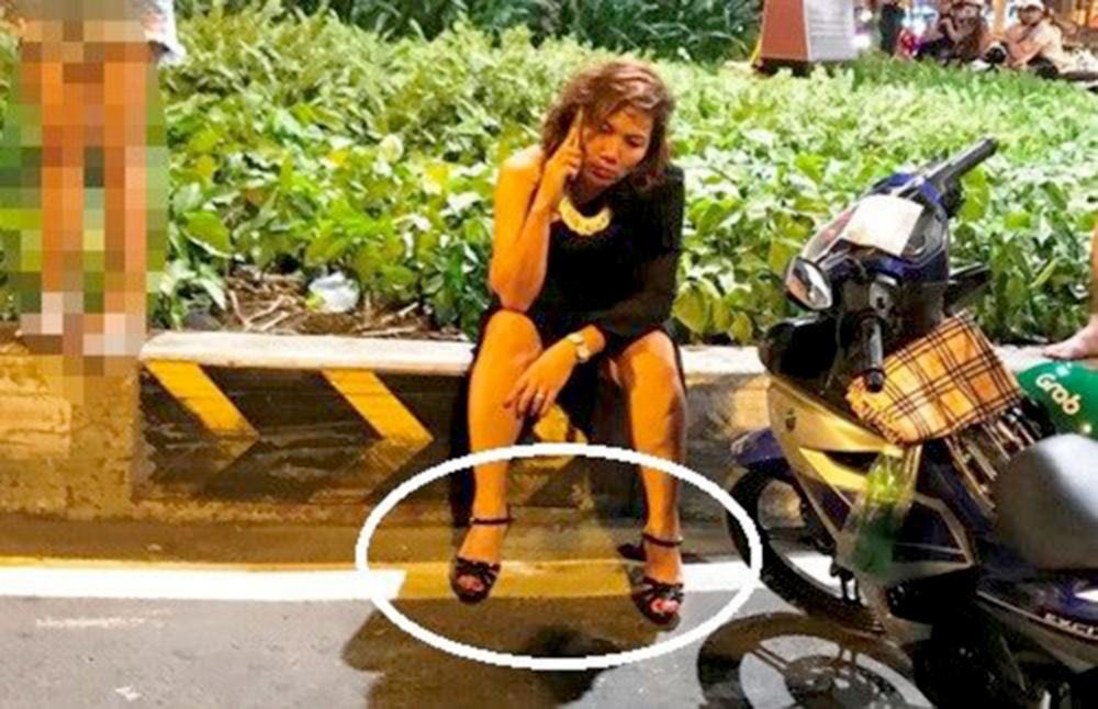 Có nên cấm phụ nữ đi giày cao gót lái ô tô?