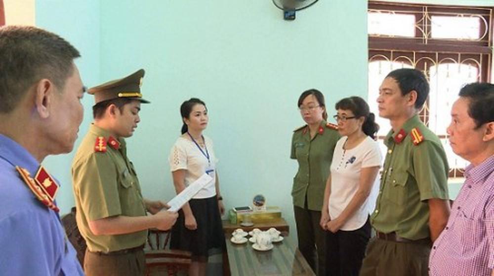 Học sinh chuyên Sơn La bức xúc nhiều bạn cùng trường được nâng điểm
