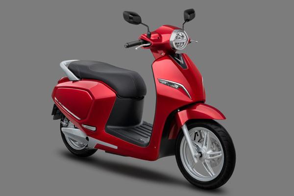 VinFast tặng 100 tỷ đồng cho khách mua xe máy điện Klara