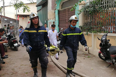 3 mẹ con đi khám bệnh chết cháy cùng bố ở Trung Văn