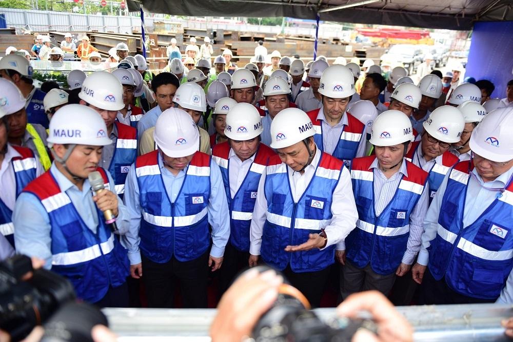 Thủ tướng thị sát tuyến metro đầu tiên của TP.HCM
