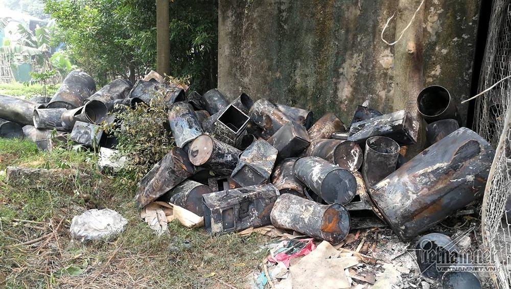 Vụ cháy ở Trung Văn: 300 người xuyên trưa khoan cắt, tìm kiếm thi thể