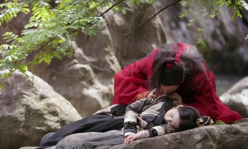 Cảnh nóng của Trương Vô Kỵ và Triệu Mẫn gây tranh cãi trong 'Tân Ỷ Thiên Đồ Long Ký'