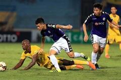 Quang Hải hụt siêu phẩm, Hà Nội FC mất ngôi đầu bảng