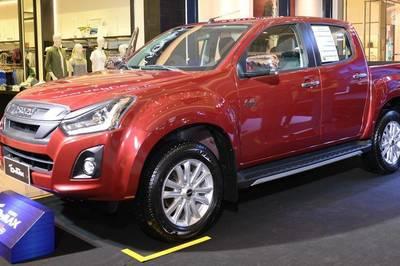 Nhiều mẫu xe bán tải được ưu đãi, hỗ trợ phí trước bạ