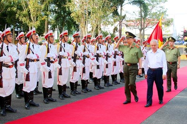 Bộ trưởng Tô Lâm: Đưa công an chính quy về xã phải gần dân, sát dân
