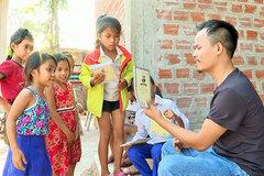 Pa Ko man sows seeds of art among mountainous children