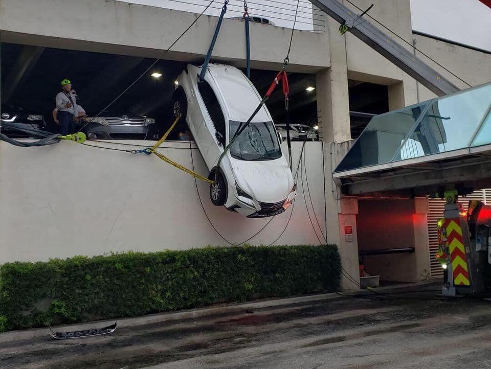 Nhầm chân ga,tai nạn giao thông,lái xe bất cẩn