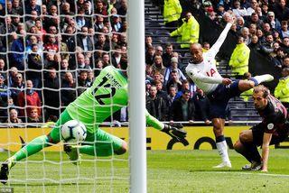 """Thắng """"4 sao"""", Tottenham đòi lại vị trí thứ 3 từ tay Chelsea"""