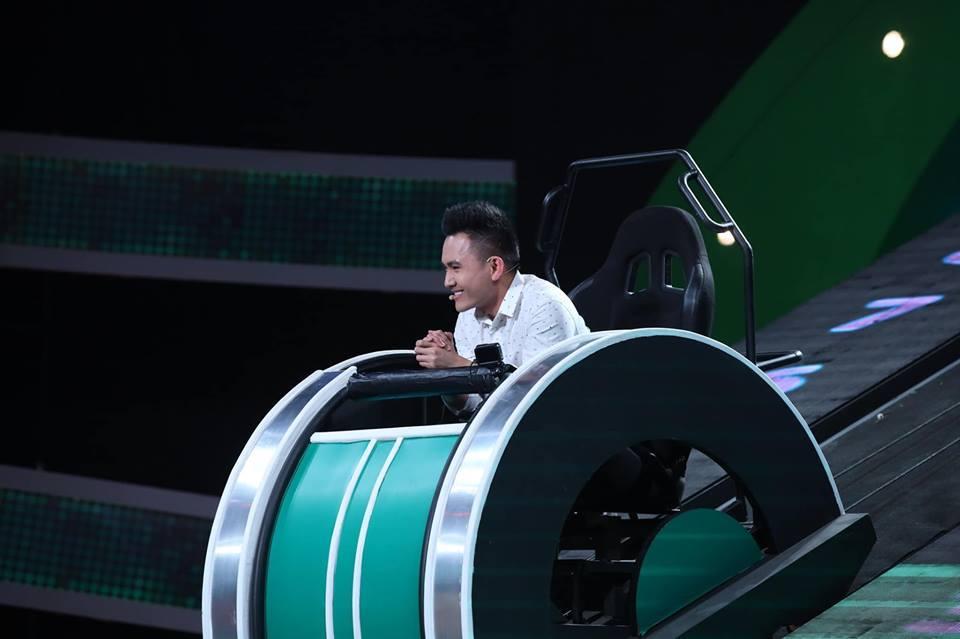 Con Hoài Linh là kỹ sư hàng không Mỹ lần đầu lên sóng bị Hari Won 'đe dọa'