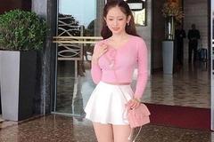 Thúy Vi, Hari Won chẳng ngại sự cố hớ hênh với chiếc váy 'ngắn nhất thế giới'