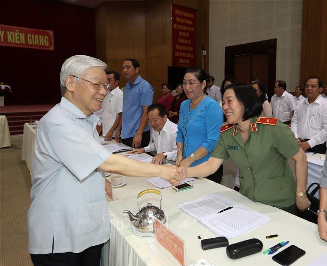 Tổng bí thư, Chủ tịch nước làm việc với lãnh đạo chủ chốt tỉnh Kiên Giang