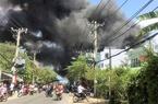 Cháy gara ở Sài Gòn, 10 ô tô bị thiêu rụi