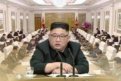 Kim Jong Un bất ngờ phong tướng hàng loạt