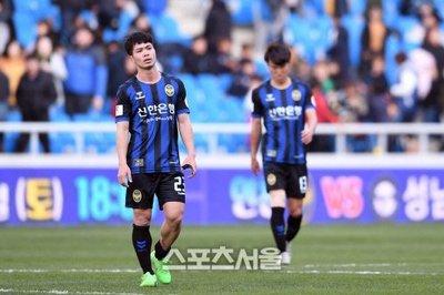Công Phượng chạy đi, Incheon United chìm dưới đáy K-League