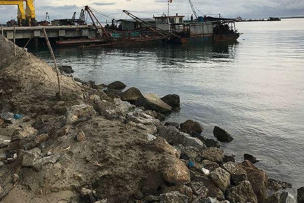 Dung Quat Port's dredged sludge to be dumped in Dung Quat sea
