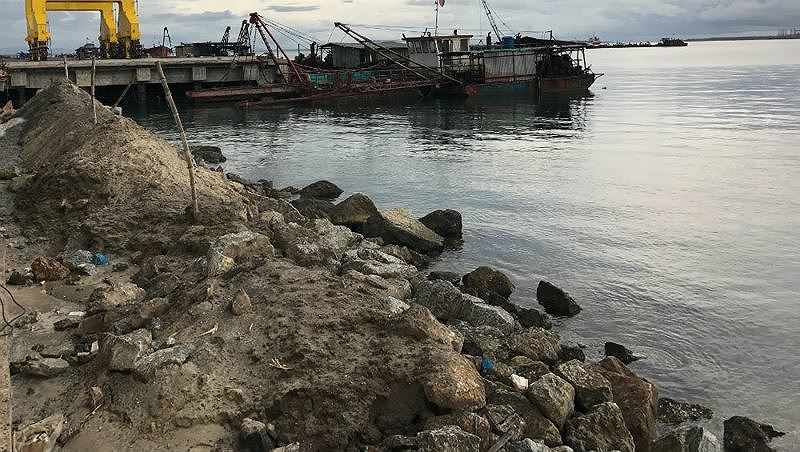 Dung Quat Port's dredged sludge to be dumped in Dung Quat sea