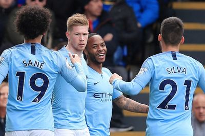 Sterling bừng sáng, Man City gây hấn Liverpool