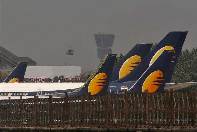 phi công,hãng hàng không,nghỉ bay,nợ lương,Ấn Độ