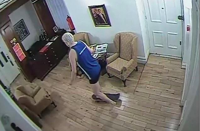 Julian Assange làm gì suốt 7 năm trốn trong sứ quán Ecuador?