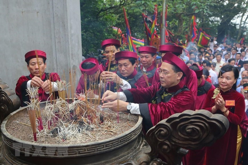 Incense offering ceremony held in honour of Hung Kings