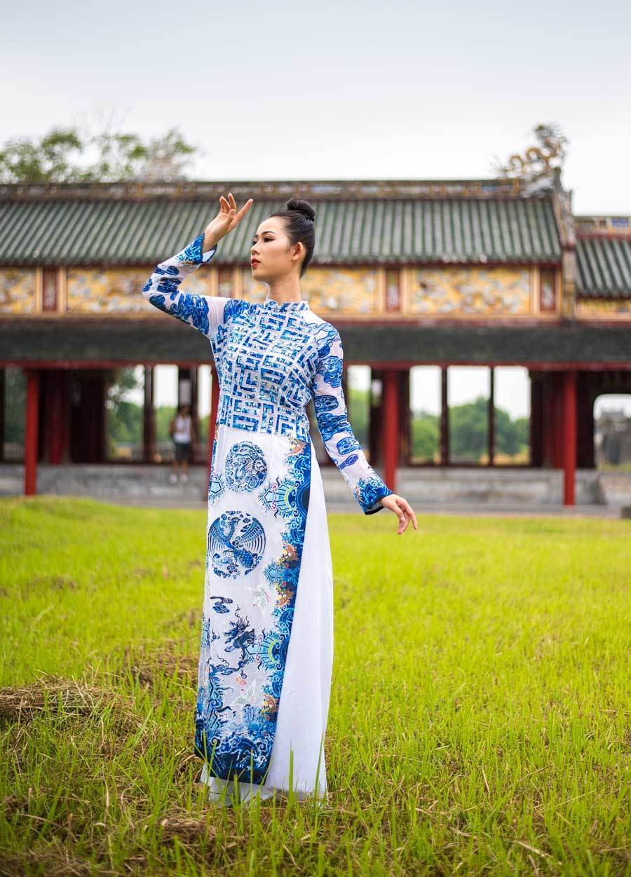 Nguyen Dynasty-inspired long dresses to be showed at Hue festival